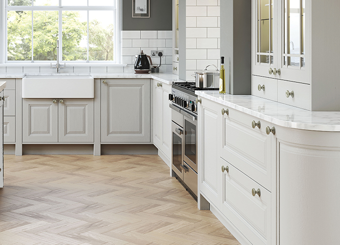 brecon-panelled-pale-grey-shaker-kitchen
